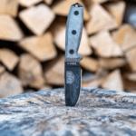 ESEE Survival Knife in Log